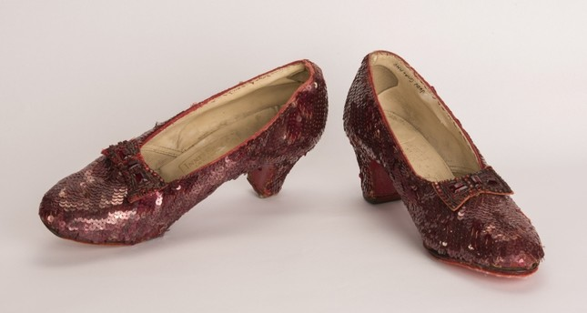 A pair of ruby slippers featured in the classic 1939 film The Wizard of Oz is shown after it was recovered in a sting operation conducted earlier this summer in this FBI Minneapolis, Minnesota, on September 4, 2018. (REUTERS Photo)