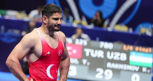 Akgül wins silver in men's freestyle wrestling 125kg