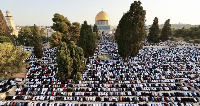 صلاة عيد الأضحى في المسجد الأقصى الأناضول