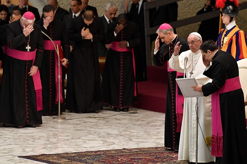 Pope Francis (2ndR) gives a weekly general audience at the Paul VI audience hall on December 6, 2017 in Vatican.  (AFP Photo)