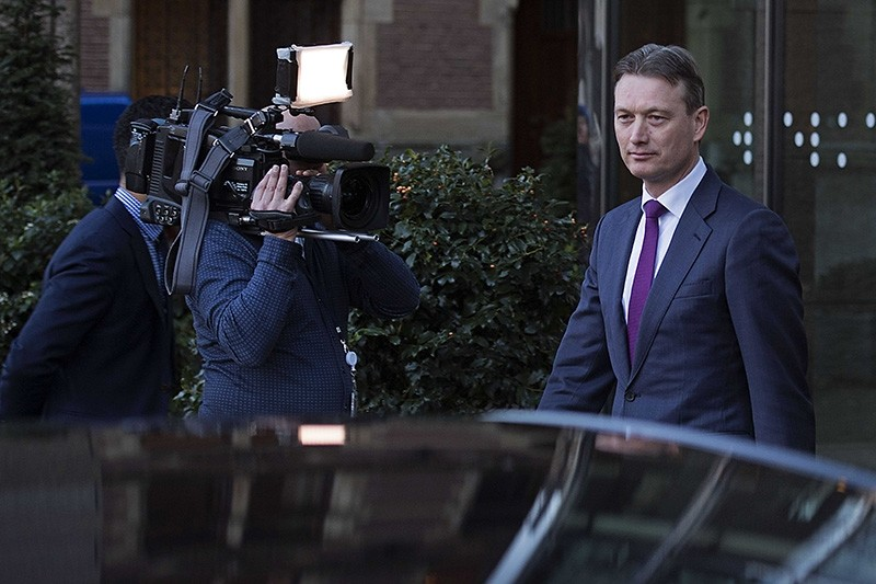 Dutch Minister of Foreign Affairs Halbe Zijlstra leaves the Dutch parliament Tweede Kamer after he announced his resignation in The Hague, Netherlands, 13 February 2018. (EPA Photo)
