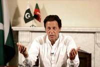 Pakistan's Khan voices solidarity with Turkey