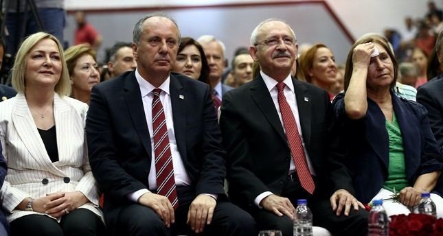CHP chairman Kemal Kılıçdaroğlu (2nd right) held his first press meeting after Sunday's defeat without thanking their presidential candidate Muharrem İnce (2nd left). He said İnce's performance was below CHP's expectations, despite his hardwork.