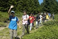 Mit dem Ziel, die Bindung und Beziehung mit dem Mutterland zu stärken, bereitet sich die Türkei vor, den jungen Türken, die im Ausland leben, Sommerlagerprogramme anzubieten.  Organisiert vom...