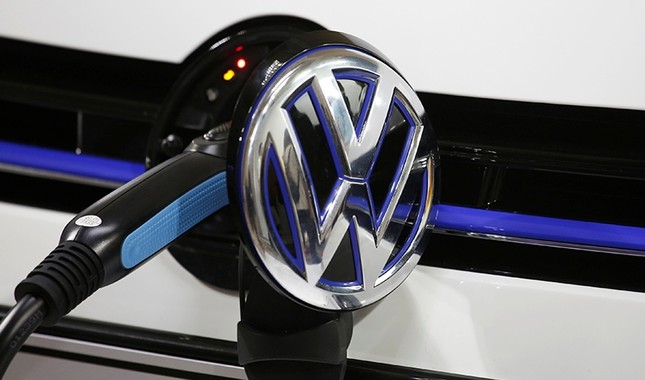 A Volkswagen Golf GTE is being charged during a workshop prior to Auto Guangzhou, Guangzhou, China, Nov. 16, 2017. Reuters Photo