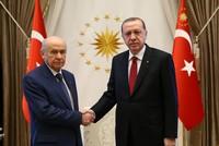 بحث الرئيس التركي، زعيم حزب