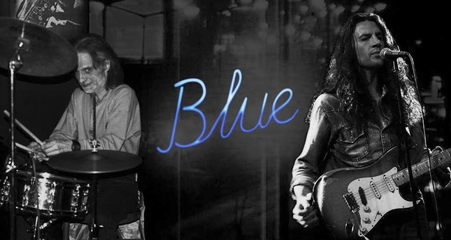 "Directed by Sertan Ünver, the documentary film ""Blue"" focuses on the life and career of Kerim Çaplı and Yavuz Çetin through interviews with their fellow musicians, friends and fans."