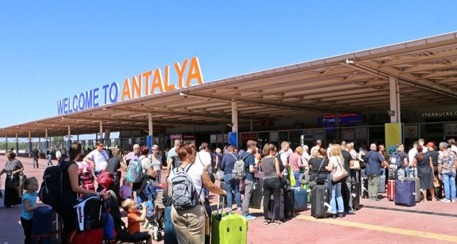 Turkey revises 2023 tourism targets, says will make up for Thomas Cook losses