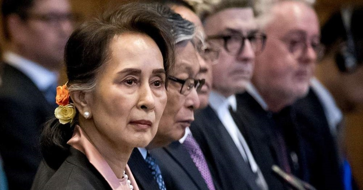 Myanmar's State Counsellor Aung San Suu Kyi stands before U.N.'s International Court of Justice, The Hague, Dec. 10, 2019. (AFP Photo)