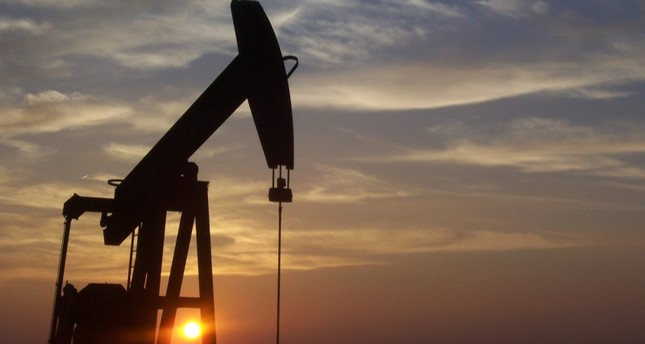 صعود أسعار النفط 1% فور إعلان استهداف محطتي ضخ سعوديتين