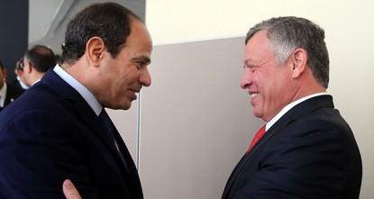 وصل العاهل الأردني الملك عبد الله الثاني، اليوم الثلاثاء، العاصمة المصرية، في زيارة رسمية.  وقال المصدر، مفضلا عدم ذكر اسمه، كونه غير مفوّض بالتصريح لوسائل الإعلام، إن