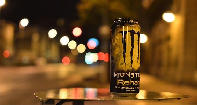 Energy drink addiction destroys UK student's teeth