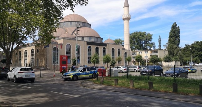 Central Mosque in Duisburg cordoned off by German police after bomb threats, Duisburg, Germany, July 22, 2019. (AA Photo)