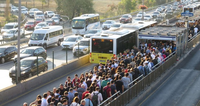 People at the Altunizade metrobus station, Istanbul, Oct.1, 2019.