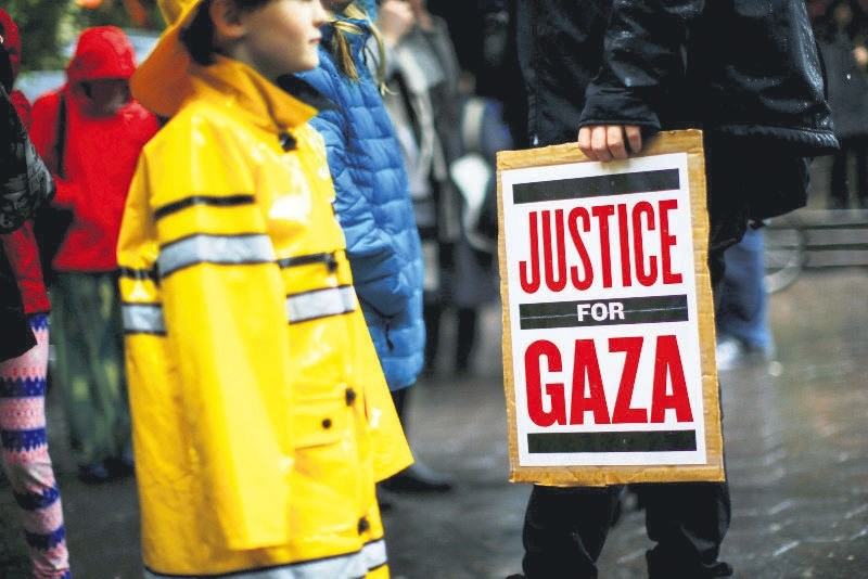 Demonstrators take part in a protest demanding the freedom and dignity of Palestine, Manhattan, New York City, May 16.