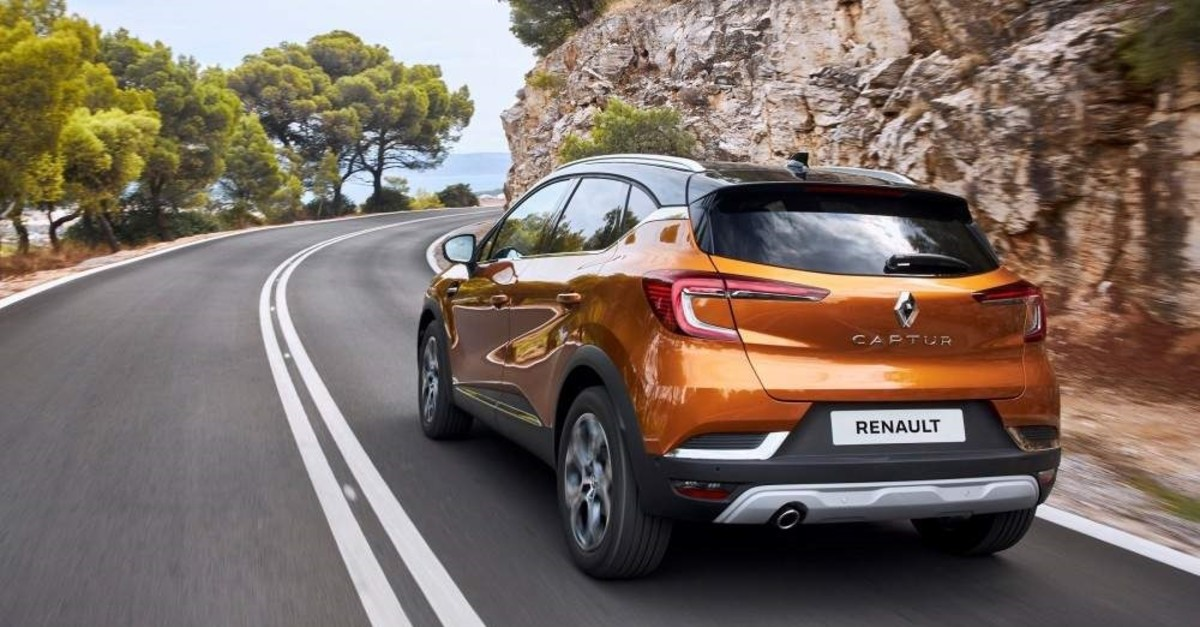 The Captur will be the first Renault to offer a plug-in hybrid drivetrain starting in 2020. (AA Photo)
