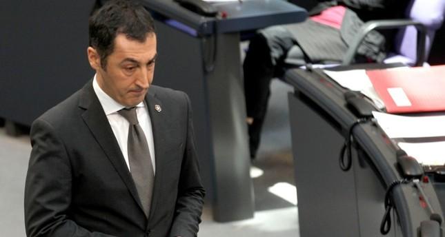 إصابة سياسي ألماني من أصل تركي وكبير مفاوضي الاتحاد الأوروبي بـكورونا
