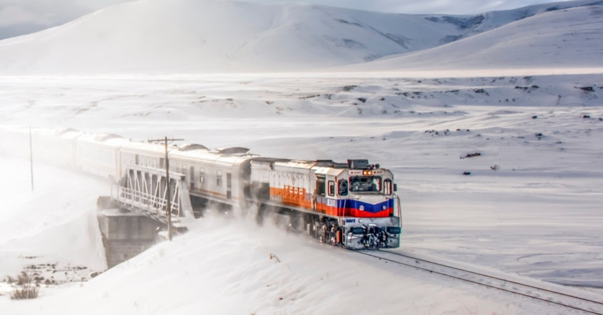 The Eastern Express covers the route from Ankara to Kars in just a little more than 24 hours.