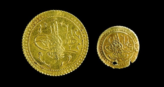 Two gold coins, originally send to Mecca by the Ottoman Empire, at Topkapı Palace.