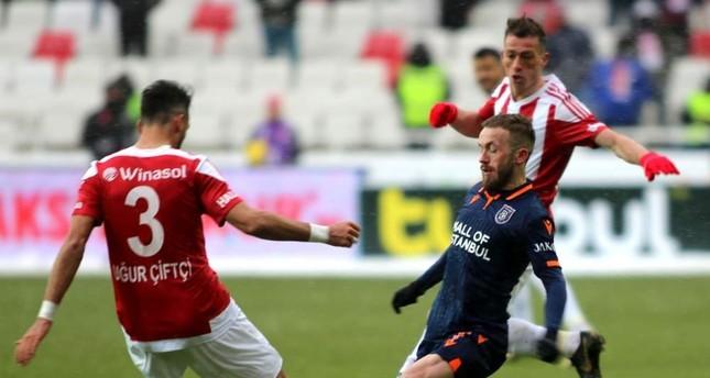 A frozen game between Sivasspor and Başakşehir