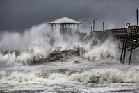 At least 4 victims as Hurricane Florence begins battering Carolina coast