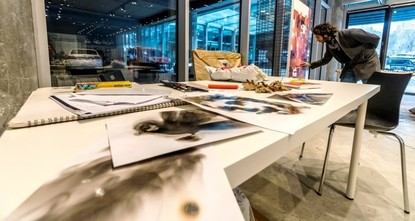 """pDer zum zweiten Mal veranstaltete offene Studio-Workshop mit dem Titel """"Gemeinsam konzentriert sich dieses Mal auf die Werke von syrischen und türkischen Künstlern. Der Workshop hat am..."""