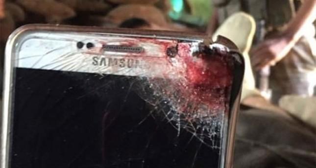 الهاتف المحمول يحمي جندياً تركياً من رصاصة أحد الإرهابيين