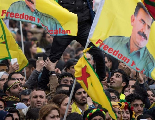 The PKK sympathizers are carrying images of the terrorist organization's jailed head Abdullah Öcalan on Saturday, an image that already was banned by the German government.