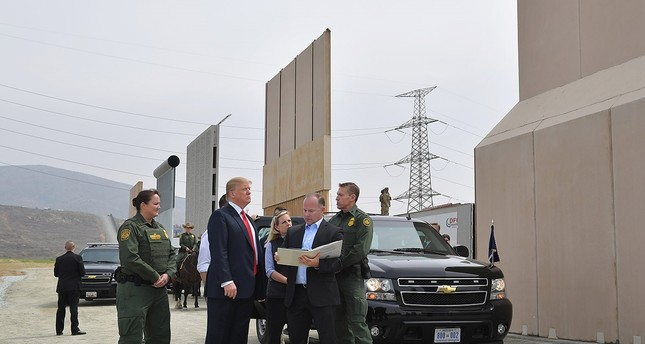 Kalifornien: Trump besichtigt Mauer-Prototypen