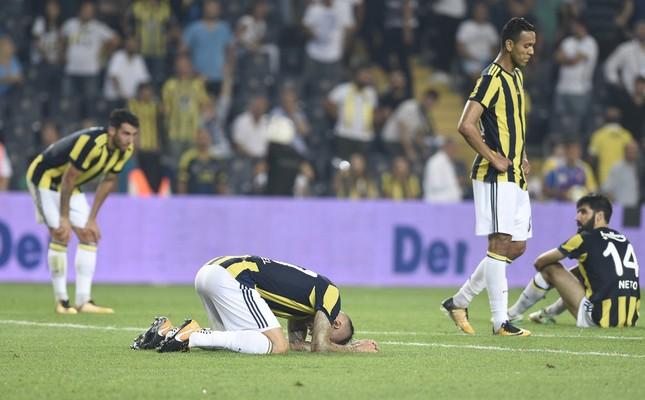 After Fener lost again Başakşehirspor, fans reacted angrily.