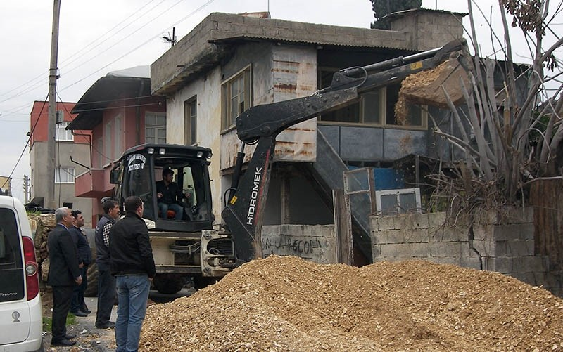 The site of the illegal excavation in Turkey's southern Mersin province (DHA Photo)