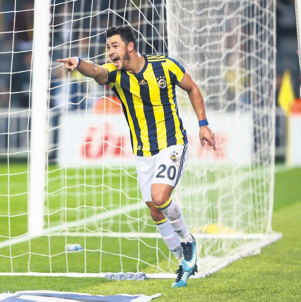 Fener's in-form Brazilian star Giuliano scored a brace to take his goal tally to seven.