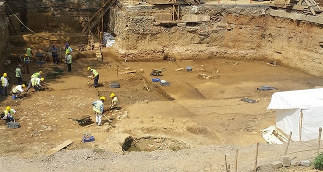 Istanbul's oldest burial site found during metro excavation works
