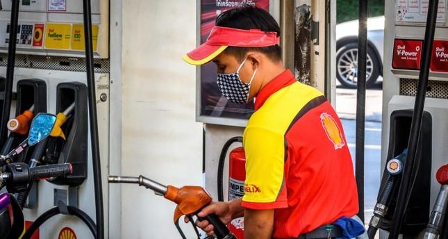 انهيار توافق أوبك+ وكورونا يطيحان بأسعار النفط