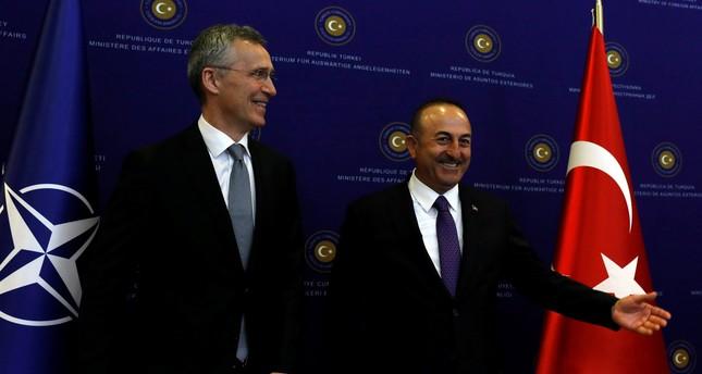 وزير الخارجية التركي: ننتظر من ماكرون تصريحات تليق برئيس جمهورية