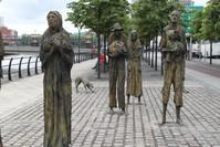 نصب تذكاري بمدينة دبلن يصور معاناة الشعب الإيرلندي أثناء فترة المجاعة الكبرى