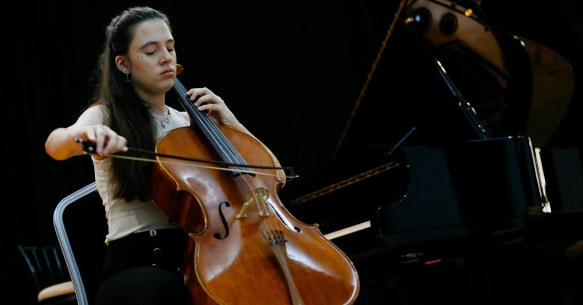 Cellist Arya Nur Gu00fcneu015f studies at the Conservatoire Music and Ballet Middle School of Dokuz Eylu00fcl University.