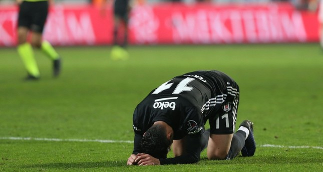 Beşiktaş striker Mustafa Pektemek reacts after a position against Istanbul rivals Kasımpaşa, on Dec. 23, 2018. (AA Photo)