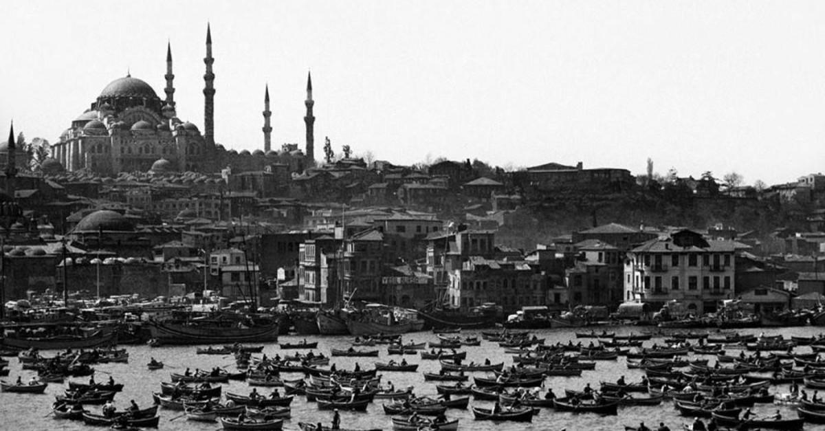 An Istanbul panorama by Ara Gu00fcler.
