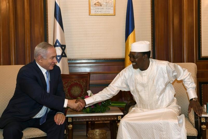 Israeli Prime Minister Benjamin Netanyahu shakes hands with Chad's President Idriss Deby, during their meeting in N'Djamena, Chad, Jan. 20, 2019. (Reuters Photo)