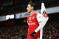 China cuts Arsenal match broadcast over Özil's support for Uighur Muslims