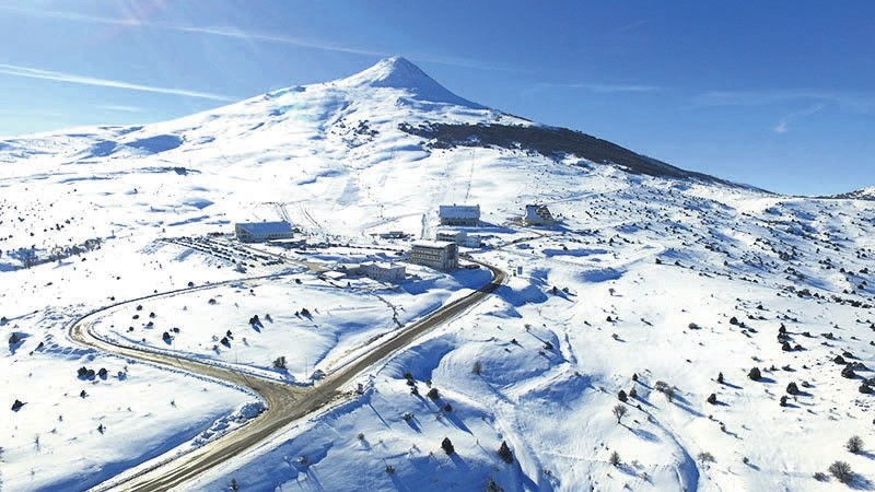 The Yu0131ldu0131z Mountain Ski Resort hosts many visitors with its different tracks, nice cafes and restaurants.