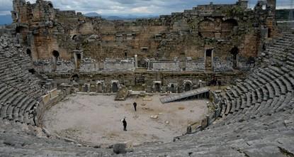 pБолее 792 тысяч долларов США (три миллиона турецких лир) будет выделено на реставрацию древнего амфитеатра времён первой половины 2-го века н.э./p  pАмфитеатр был построен во времена расцвета...