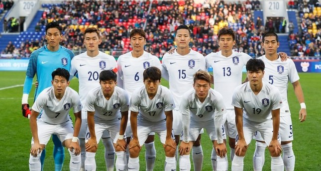 In this photo taken on Saturday, Oct. 7, 2017, South Korea's soccer team players pose prior the international friendly soccer match between Russia and South Korea in Moscow. (AP Photo)