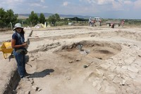 Teams of archaeologists have been carrying out excavation work at one of the oldest settlements in western Anatolia, where they have unearthed findings dating back 8,600 years.