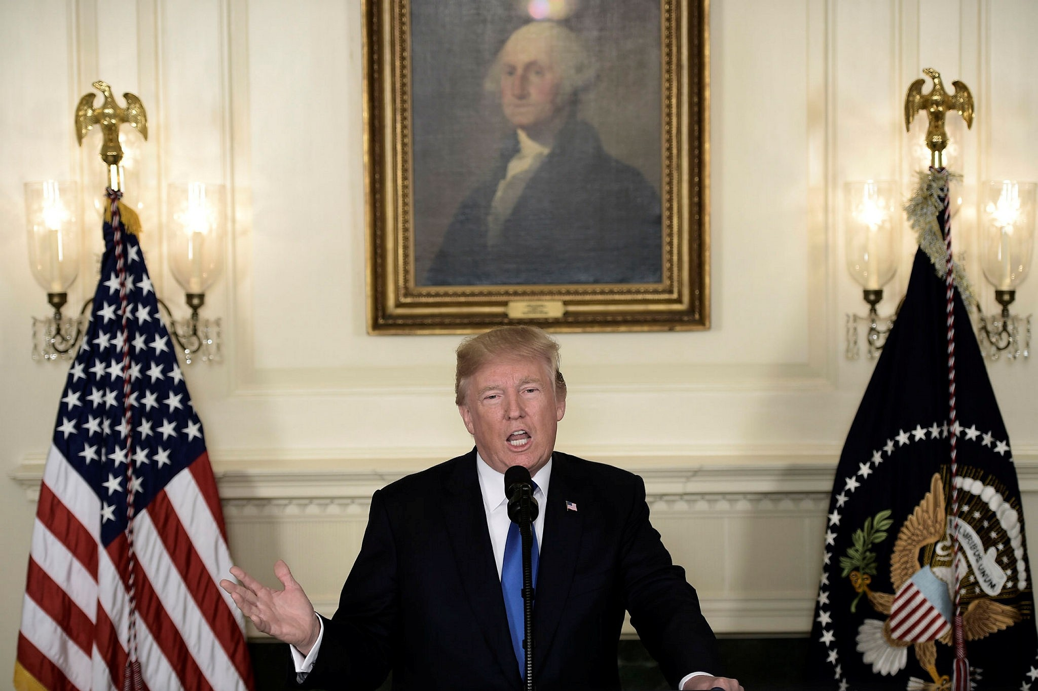 U.S. President Donald Trump speaks about the Iran deal from the Diplomatic Reception room of the White House in Washington, DC, Oct. 13, 2017.
