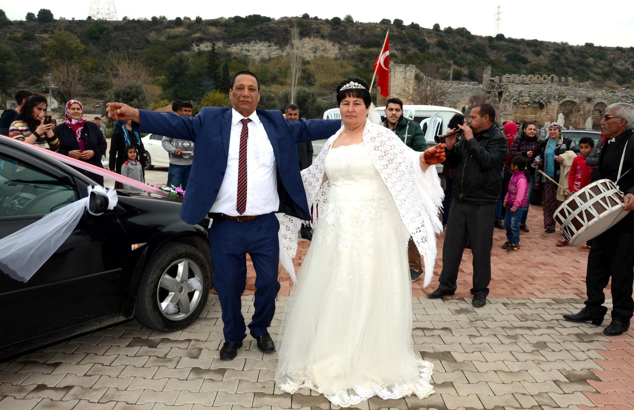 Ahmet (L) and Fadime (R) u00c7oban are dancing during their wedding ceremony in Antalya, Turkey on February 12, 2017. (DHA Photo)