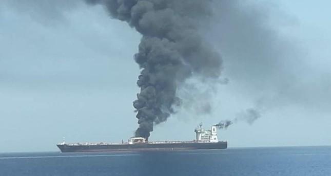 صورة نشرتها وسائل إعلام إيرانية عن تضرر الناقلة في مياه بحر عمان (IHA)