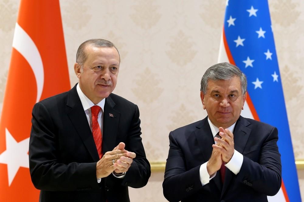President Erdou011fan (L) and Uzbek President Mirziyoyev (R) held a joint press conference after meetings in the Uzbekistan capital Tashkent, April 30.