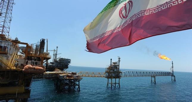 de8b2d6c13d6a إيران تهدد مجدداً بإغلاق مضيق هرمز وسط تصاعد العقوبات الأمريكية ...